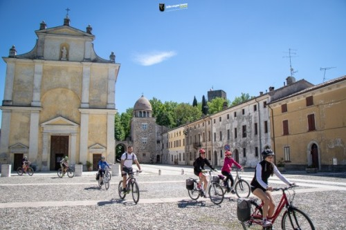 bike-tour-hills-garda